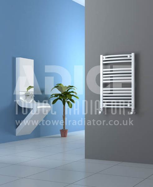 Picture of 500mm Wide 750mm High White Curved Towel Radiator