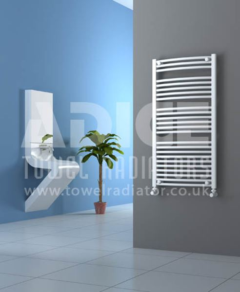Picture of 600mm Wide 1150mm High White Curved Towel Radiator