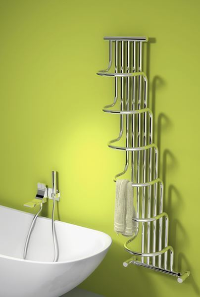 Picture of GIADA 563mm Wide 1500mm High Chrome Designer Radiator